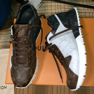 Louis Vuitton sneakers brand new